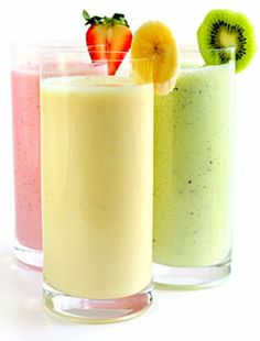 Heart Healthy Recipe from DoctorOz.com. Blend equal parts of skim milk, lite vanilla yogurt and fruit. 1/2 cup of each makes a healthy smoothie for 150 calories. The fruit can be fresh, canned or frozen. It is fine to add juice to the fruit. As time permits, the fruit or yogurt can be frozen slightly and blended to make a nice icy smoothie.