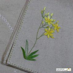 봄꽃 인사하기에도 바쁜 요즈음 미뤄둔 여름꽃 '범부채'꽃에 색을 입혔어요~^^* 늘 밀린 꽃이 많다보니 계...