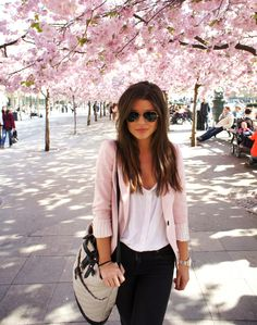 Minimalistic and beautiful. Black pants, white blouse, and light pink cardigan. Fabulous accessories  #cherry blossoms