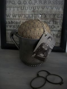 Quick Primitive No Sew Pincushion from Our Pioneer Homestead (ourpioneerhomestead.blogspot) - doesn't get easier or cuter!; if you are not a prim lover, use a teacup and other fabric.