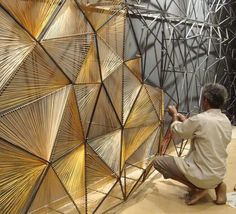 This would be beautiful as a room divider in a s mall space PRO // thread mural by Vaibhav Soparkar ➕ Deco Design, Foyer Design, Display Design, Ceiling Design, Design Design, Wall Treatments, String Art, Restaurant Design, Installation Art