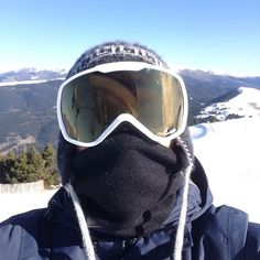 #winter #snowboarding #lamolina #chullo #mountains #pirineos #trynottofall