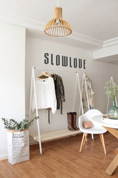 Coat Rack inspo for events Boutique Design, Boutique Decor, Clothing Boutique Interior, Clothing Store Design, Shop Interior Design, Retail Design, Fashion Showroom, Store Interiors, Room Decor
