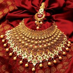 A bride can look more gorgeous than usual if she wears a designer jewelry at her wedding and a bridal jewelry enhances the beauty even more than what you wear normally. Rent2cash is providing the opportunity to the individuals to get the most beautiful one on rent.
