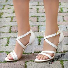Espanol Beyaz İnce Topuklu Ayakkabı