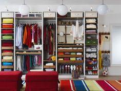 Ordnung im Kleiderschrank - Stangen und Laden sorgen für Übersicht