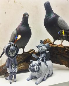 Crew. @iamwetworks #yoii #pugrider #kidzilla #wetworks #pug #designertoy…