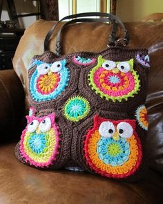Crocheted owl tote....if I could ever get my crochet skills up to par, this would be awesome to make!