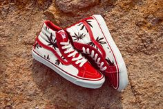 Vans Vault OG LX Palm Leaf: New from Vans Vault and just in time for the upcoming Earth Day festivities is the OG LX Vans Shoes Outfit, Vans Boots, Cool Vans Shoes, Custom Vans Shoes, Cute Vans, Fly Shoes, Vans Sneakers, Sneakers Fashion, Men's Shoes