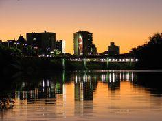 Blumenau, situa-se ao nordeste do Estado de Santa Catarina, a aproximadamente 140 quilômetros de Florianópolis, e é conhecida por manter as tradições germânicas de seus colonizadores