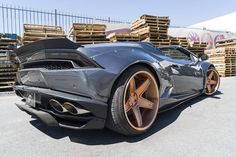 Liberty Walk Huracan Spyder Gets New Wheels