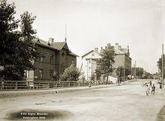 Signe Brander: Itäinen Viertotie näkymässä on osoitteet Vallila 3, 4 ja 5. 1908.