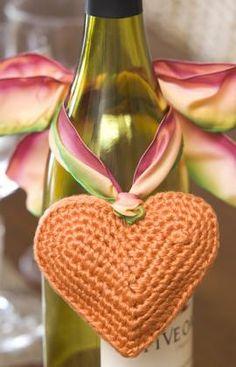 Patrón ganchillo Adorno para botellas corazón.