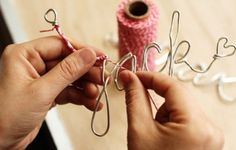I want to make these, cute for christmas ornaments!! #diy #creative #wire #yarn #christmas #decorations