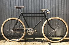 Velo Vintage, Vintage Bicycles, Retro Bicycle, Push Bikes, Fixed Gear Bike, Touring Bike, Bike Style, Cool Bicycles, Classic Bikes