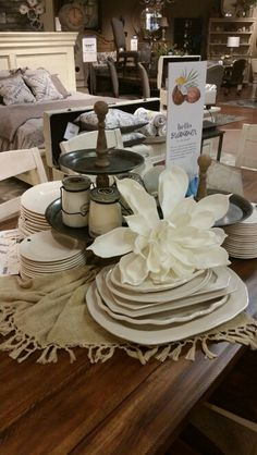 Brentwood Marsilona Table Display