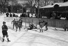 Montréal en Histoires Old Montreal, Montreal Quebec, Vintage Photographs, Vintage Images, Good Old Times, Canada, The Province, Sweet Memories, Ice Hockey