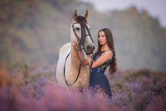 Horse Girl Photography, Kittens, Cats, Pretty Girls, Equestrian, Cat Lovers, Photoshoot, Horses, Donkeys