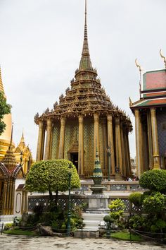thailand bangkok royal palace buddha temple gold thai summer travel photo shershegoes.com  (4)