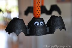 Bats made out of egg cartons.( classroom projects) pretty cute!.....♥
