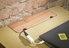 Standing desk / lecture SIXtematic. Abdeckung Kabel / Anschlüsse, kippbar