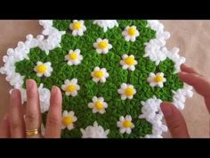 Learn Making A Lovely Flowers Blanket Crochet Filet Crochet, Crochet Motif, Diy Crochet, Crochet Designs, Crochet Stitches, Weaving Patterns, Crochet Blanket Patterns, Rainbow Crochet, Piercings