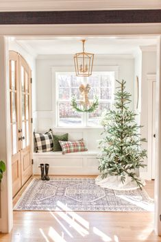 I am taking you on a Christmas home tour. Come see my kitchen Christmas decor, my foyer christmas decorations and Christmas bathroom decor ideas! Christmas Bathroom Decor, Christmas Home, White Christmas, Minimal Christmas, Christmas Living Rooms, Xmas, Natural Christmas, Christmas Tree Decorations, Holiday Decor