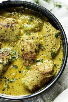 Przepis na schabowe roladki z mozzarella w pysznym sosie...roladki z wieprzowiny na obiad...jak zrobić roladki z mięsa...w sosie czy panierowane roladki