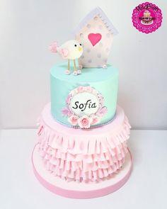 60 Ideas Birthday Cake Fondant Girl Shabby Chic For 2019 Fondant Girl, Fondant Cakes, Pasteles Shabby Chic, Shabby Chic Cakes, Baby Girl Cakes, Bird Cakes, Ruffle Cake, Birthday Cake Girls, Cakes For Boys