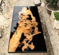daily dose of Inspiration: Classic Epoxy Table Diy Resin Table, Epoxy Wood Table, Epoxy Resin Table, Epoxy Resin Art, Wood Tables, Resin Countertops, Resin Furniture, Luxury Furniture, Wood Table Design