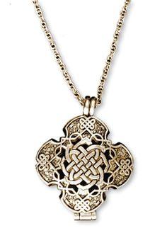 Gold Star of David Necklace/ Jewish star necklace / Diamond Star of David Charm / Magen David charm/ Dainty Star of David in Gold - Fine Jewelry Ideas Jewelry Shop, Jewelry Accessories, Fine Jewelry, Jewelry Making, Unique Jewelry, Irish Jewelry, Religious Jewelry, Wiccan Jewelry, Celtic Prayer