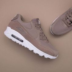 factory authentic 35999 41f53 Nike Air Max 90 Essential - AJ1285-200 •• En krispig ny färg på