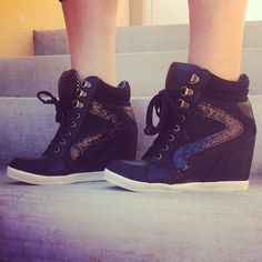 Sneak out. #gojane #sneaker #wedge #sneakerwedge #glitter #shoe #sotd #swag #instadaily #laceup - @gojanedotcom- #webstagram
