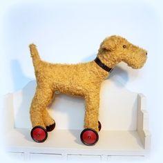 Ollie a large vintage style dog on wheels - Folksy