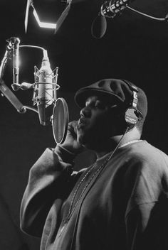 """A great poster of one of hip hop's all-time greatest MC's - Notorious BIG! Rap legend Biggie Smalls at the mic lettin' it flow! We have a """"BIG"""" selection of Notorious BIG posters, so check 'em out y'all! Need Poster Mounts. Love N Hip Hop, Hip Hop And R&b, 90s Hip Hop, Hip Hop Rap, New School Hip Hop, Rapper, Estilo Cholo, Gta San Andreas, Arte Hip Hop"""