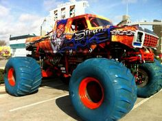 Sweet!!! Dodge Trucks, 4x4 Trucks, Diesel Trucks, Lifted Trucks, Cool Trucks, Monster Truck Racing, Big Monster Trucks, Monster Jam, Weird Cars