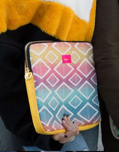 funda-portátil-rombos-amarillo-5 Laptop Sleeves, Yellow