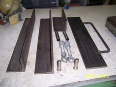 Image Sheet Metal Bender, Sheet Metal Brake, Sheet Metal Tools, Metal Bending Tools, Metal Working Tools, Welding Works, Welding Shop, Diy Welding, Homemade Tools