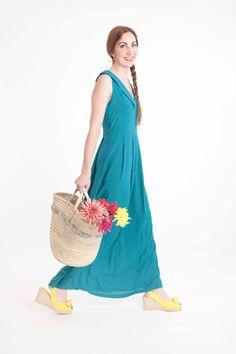 Vestido largo escote en pico azul verdoso Summer Dresses, Etsy, Beauty, Fashion, Neckline, Long Dresses, Blue Nails, Clothing, Beleza