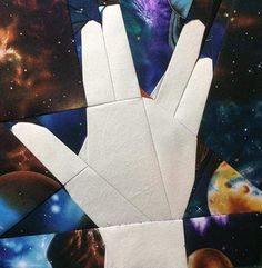 Paper pieced quilt featuring the Vulcan salute from Star Trek Star Wars Quilt, Star Quilt Blocks, Quilting Tutorials, Quilting Projects, Quilting Ideas, Crochet Projects, Paper Piecing Patterns, Quilt Patterns, Star Trek Spock
