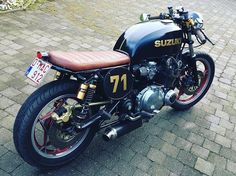 —----------------------- Tag or email your cafe racer related photos to… Sportster Cafe Racer, Suzuki Cafe Racer, Cafe Racer Motorcycle, Motorcycle Art, Motorcycle Design, Bike Design, Cafe Racer Style, Custom Cafe Racer, Vintage Bikes