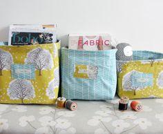 Bettyjoy tutorials: Fabric boxes. Great tutorial - seems very simple