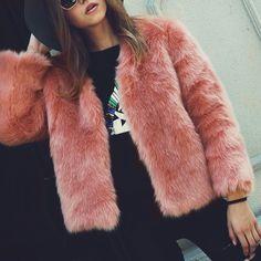 m.lovelywholesale.com wholesale-+trendy+v+neck+long+sleeves+fur+design+pink+short+coat-g169761.html