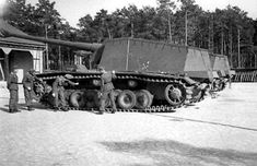 Sturer Emil heavy tank destroyer, post-1943, photo 1 of 2