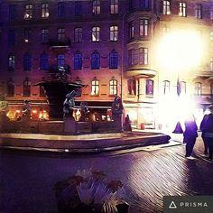 Lite kallt men vacker och stämningsfull kväll i #Göteborg. #prisma #surrelistisk #streatart