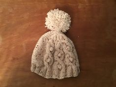 Ravelry: Vicq56's Lopta bonnet Ravelry, Creations, Winter Hats, Beanie, Projects, Log Projects, Blue Prints, Beanies, Beret