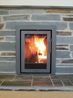 Contura Modern installed into a traditional open fire aperture. Inset Fireplace, Dining Room Fireplace, Modern Wood Burning Stoves, Inset Stoves, Living Rooms, Living Spaces, Stove Installation, Fire Places, Open Fires
