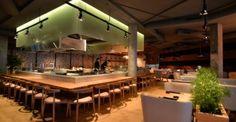 Интерьер ресторана японской кухни: сдержанная роскошь и мягкая цветовая палитра