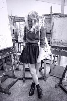 Skirt, sweater, tote bag.