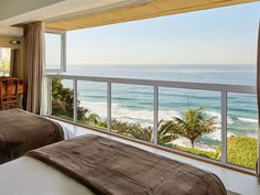 At The Seas Edge in Durban. At the Sea's Edge is a charming, self-catering unit located on the owner's property on a hill in Ocean View (Bluff) in southern Durban. This unit offers breathtaking sea views. Edge of the Sea is just a drive from various